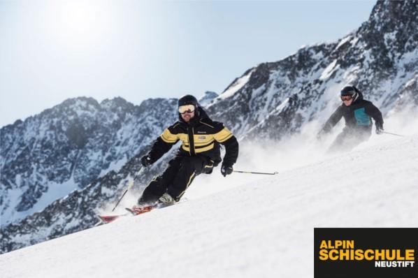 Alpin-Schischule-Neustift Erwachsene1