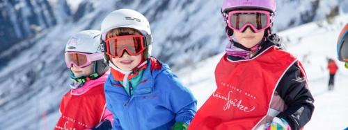 Glücklich im Kinderkurs der Skischule Galtür