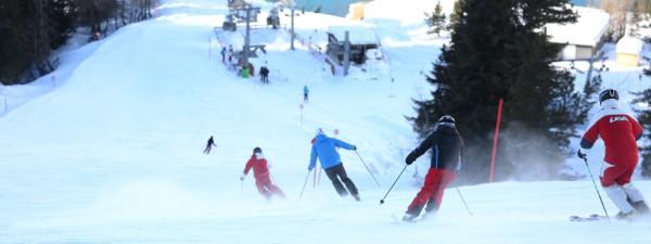 Skigruppe bei der Abfahrt in Galtür